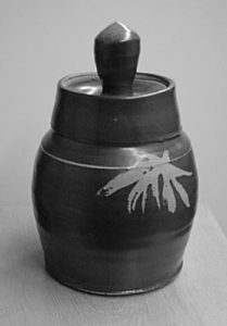 Lidded Jar by Ray Kahmeyer